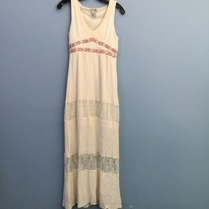 Flying Tomato Embroidered Lace Maxi Dress